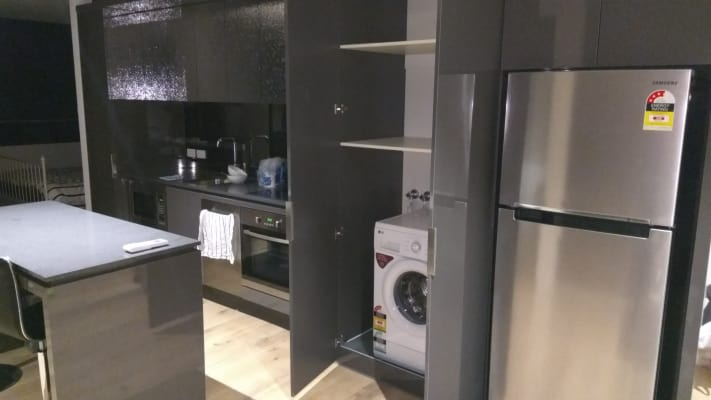 $420, Flatshare, 2 bathrooms, Rose Lane, Melbourne VIC 3000