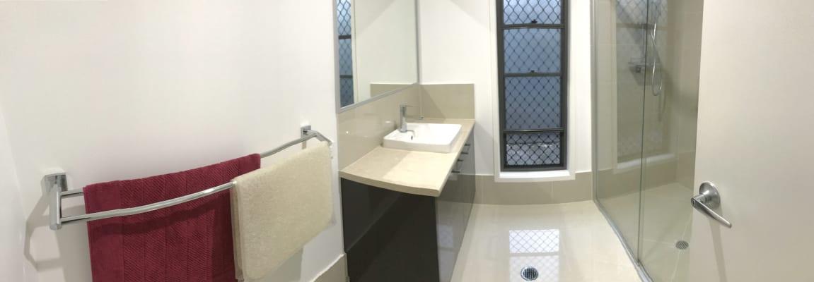 $300, Flatshare, 2 bathrooms, Pontee Parade, Alexandra Headland QLD 4572