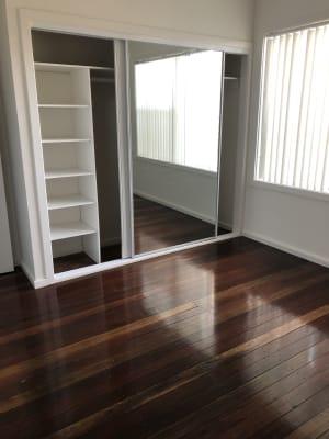 $300, Share-house, 3 bathrooms, Milne Street, Shortland NSW 2307