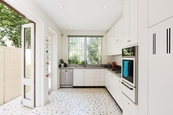 $400, Share-house, 5 bathrooms, Riley Street, Surry Hills NSW 2010