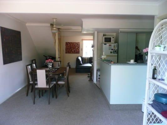 $260, Flatshare, 3 bathrooms, Olsen Avenue, Labrador QLD 4215