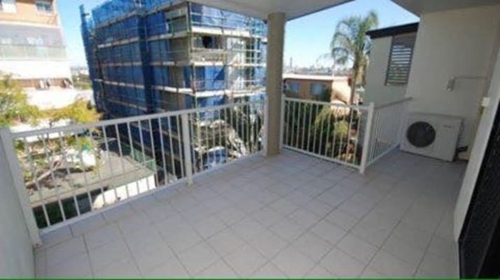 $155, Flatshare, 3 bathrooms, Sandgate Road, Albion QLD 4010
