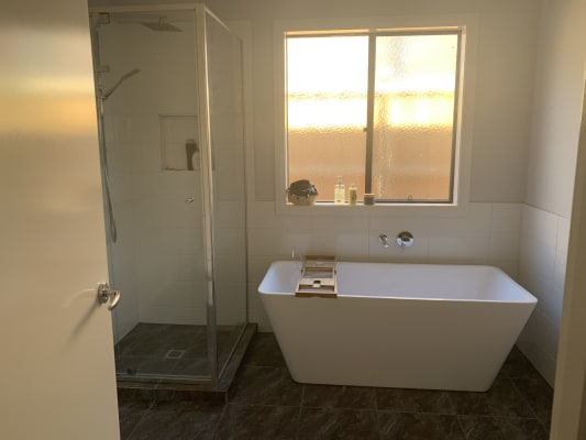 $190, Share-house, 4 bathrooms, Thompsons Road, Clyde North VIC 3978