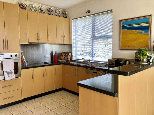 $285, Share-house, 3 bathrooms, Beddome Street, Sandy Bay TAS 7005