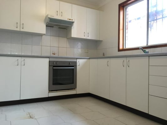 $300, Student-accommodation, 1 bathroom, Meeks Street, Kingsford NSW 2032
