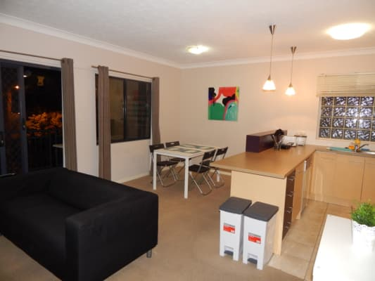 $300, Flatshare, 2 bathrooms, Boundary Street, Spring Hill QLD 4000