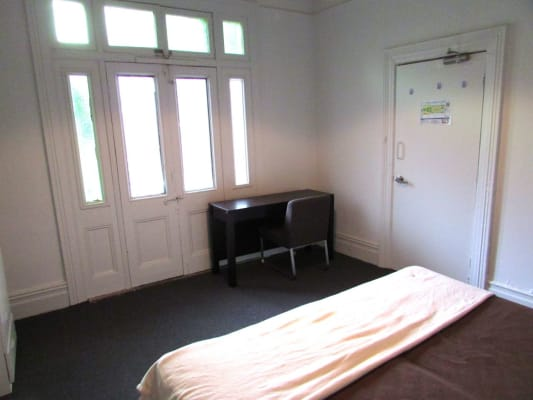 $440, Studio, 1 bathroom, Chalmers Street, Sydney NSW 2000