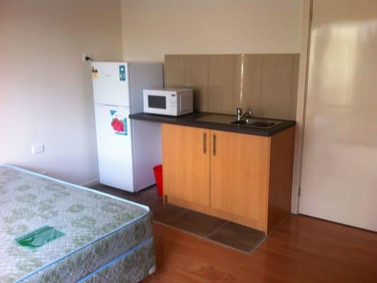 $240, Studio, 1 bathroom, Chifley, Dandenong North VIC 3175