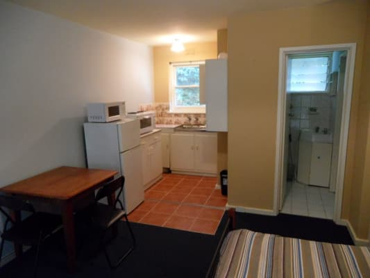 $420, Studio, 1 bathroom, Dalgety, Saint Kilda VIC 3182