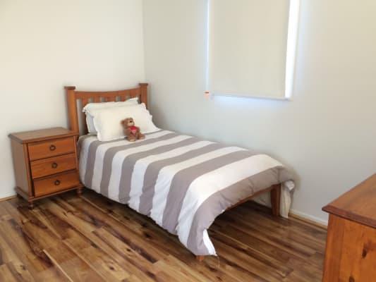 $230, Studio, 1 bathroom, Hobsons Place, Dingley Village VIC 3172