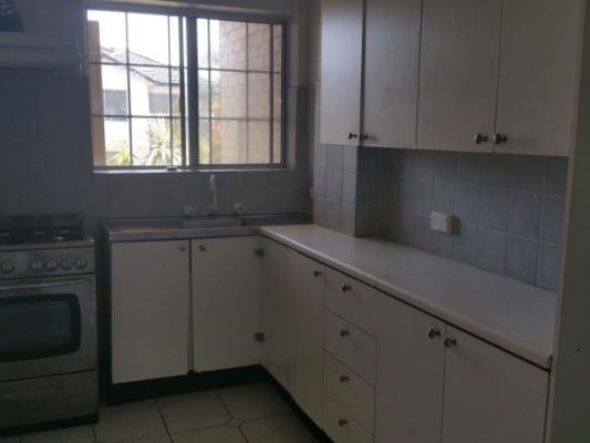 $250, Studio, 2 bathrooms, Mascot Drive , Eastlakes NSW 2018
