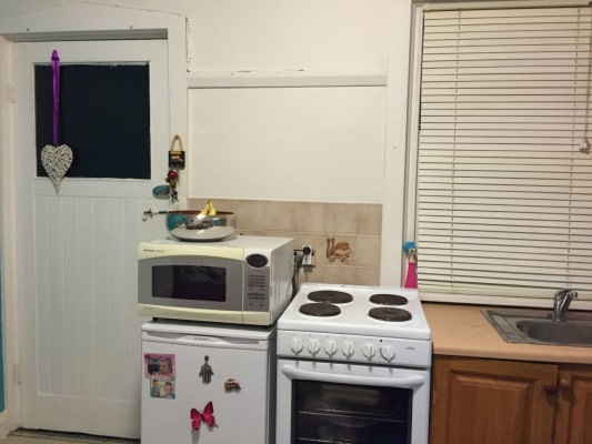 $420, Studio, 1 bathroom, Melody Street, Coogee NSW 2034