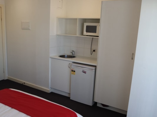 $355, Studio, 1 bathroom, Parramatta Road, Leichhardt NSW 2040