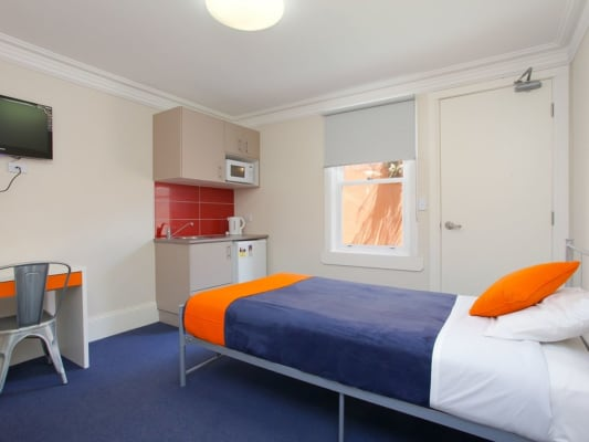 $425, Studio, 1 bathroom, Pitt Street, Redfern NSW 2016