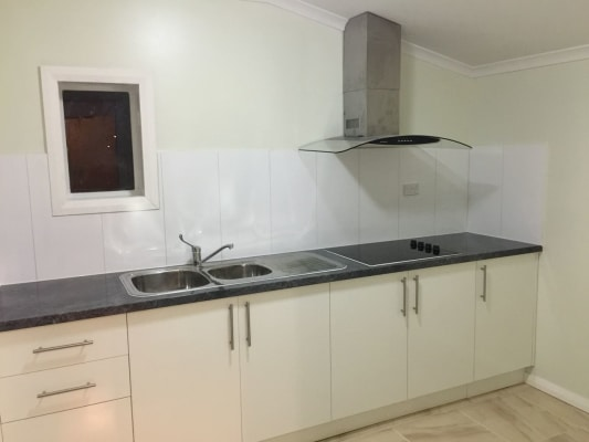 $210, Studio, 1 bathroom, Stevens Road, Saint Albans VIC 3021