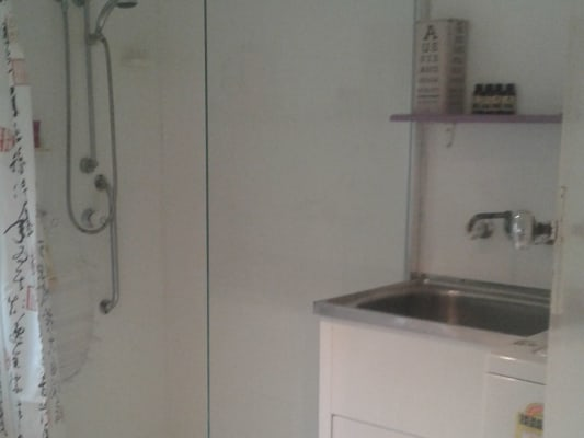 $220, Studio, 1 bathroom, Thompson Street, Zillmere QLD 4034