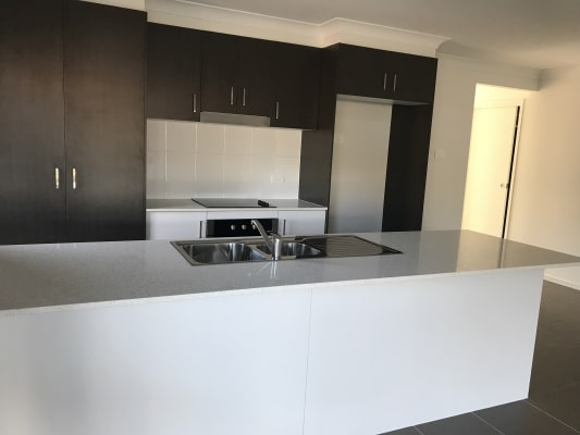 $200, Share-house, 4 bathrooms, Ridgmont Circuit, Thornton NSW 2322