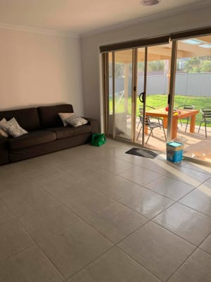 $100, Student-accommodation, 2 rooms, Ava Avenue, Thurgoona NSW 2640, Ava Avenue, Thurgoona NSW 2640
