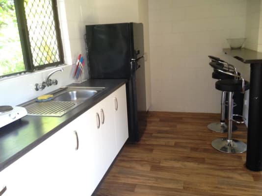 $250, Granny-flat, 1 bathroom, Creedy Street, Westcourt QLD 4870