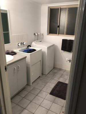 $185, Flatshare, 2 bathrooms, Victoria Terrace, Annerley QLD 4103