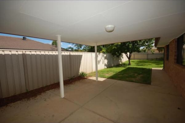 $180, Share-house, 4 bathrooms, Paldi Crescent, Glenfield Park NSW 2650