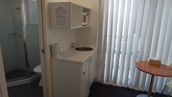 $360, Studio, 1 bathroom, Parramatta Road, Leichhardt NSW 2040