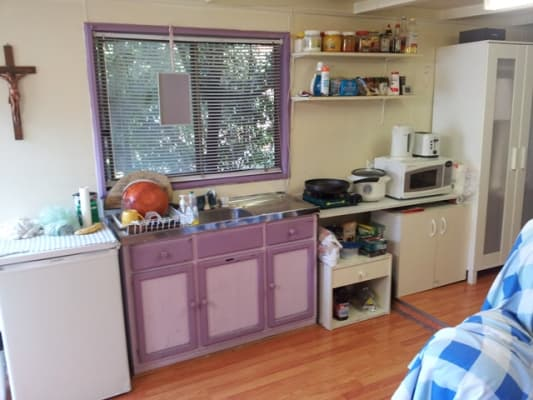 $195, Granny-flat, 1 bathroom, Faelen Street, Burwood VIC 3125