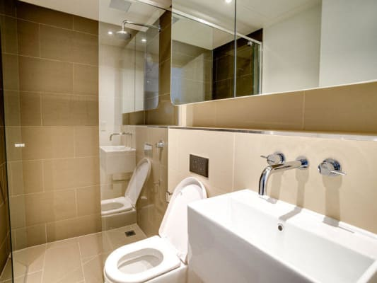 $320, Flatshare, 2 bathrooms, Swanston Street, Carlton VIC 3053