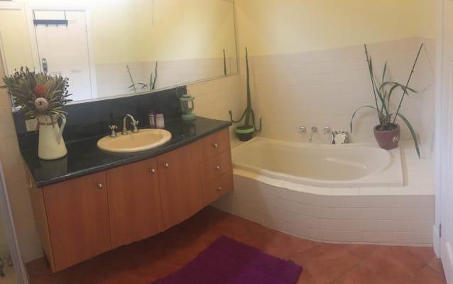 $210, Share-house, 3 bathrooms, Glanfield Street, Northcote VIC 3070