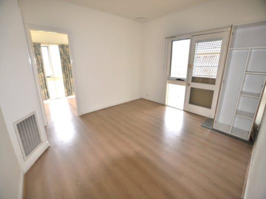 $220, Whole-property, 6 bathrooms, Robinson Street, Clayton VIC 3168