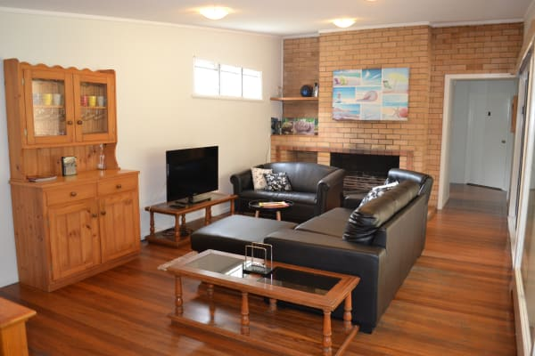 $210, Share-house, 6 bathrooms, Upland Road, Saint Lucia QLD 4067