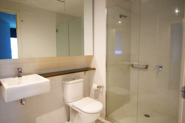 $370, Flatshare, 2 bathrooms, Waterview Walk, Docklands VIC 3008