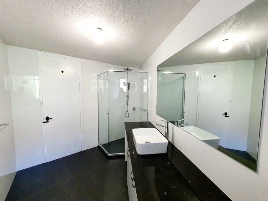 $200, Flatshare, 2 bathrooms, Herdsman Parade, Wembley WA 6014