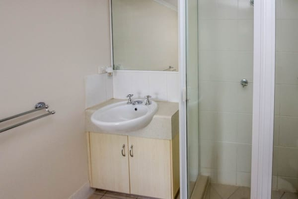 $270, Flatshare, 2 bathrooms, Gatton Street, Parramatta Park QLD 4870
