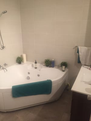 $420, Share-house, 2 bathrooms, Ormond Esplanade, Elwood VIC 3184