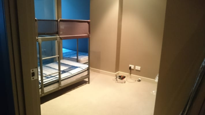 $140, Flatshare, 2 bathrooms, Abeckett Street, Melbourne VIC 3000