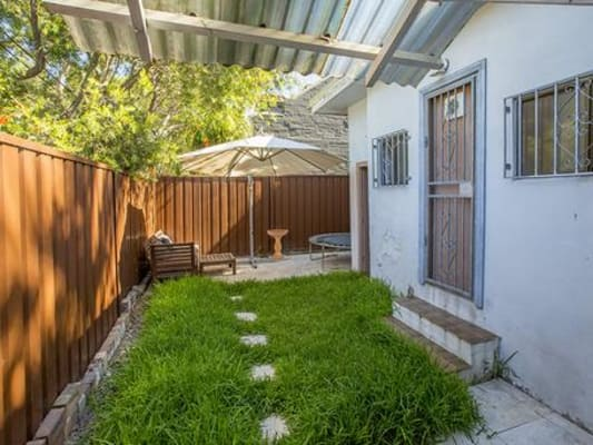 $285, Share-house, 3 bathrooms, Zamia Street, Redfern NSW 2016