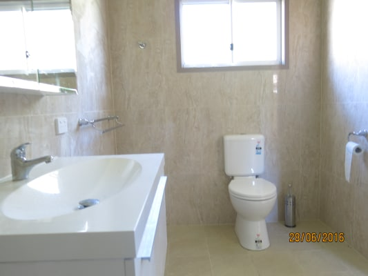 $300, 1-bed, 1 bathroom, Whynot Street, West End QLD 4101