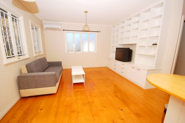 $180, Share-house, 3 bathrooms, Burlington Street, East Brisbane QLD 4169