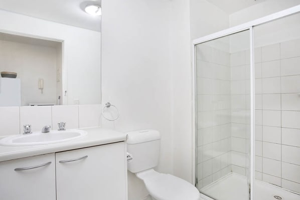 $430, Whole-property, 2 bathrooms, Lonsdale Street, Melbourne VIC 3000