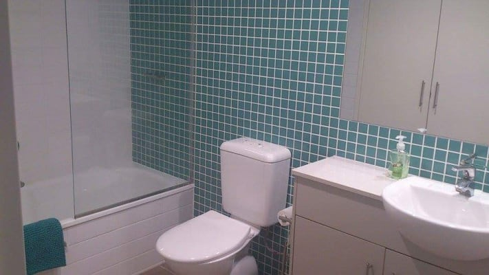 $250, Flatshare, 2 bathrooms, Ocean Street, Burleigh Heads QLD 4220
