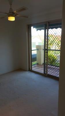 $250, Share-house, 3 bathrooms, Palm Meadows Drive, Carrara QLD 4211