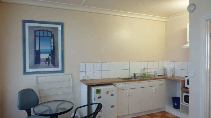 $570, 1-bed, 1 bathroom, Beaconsfield Parade, Port Melbourne VIC 3207