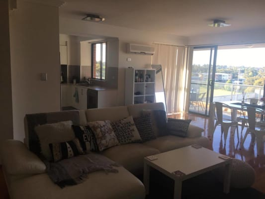 $287, Flatshare, 2 bathrooms, Kingsway, Miranda NSW 2228