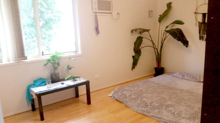 $220, Share-house, 4 bathrooms, Middle Street, Highgate Hill QLD 4101