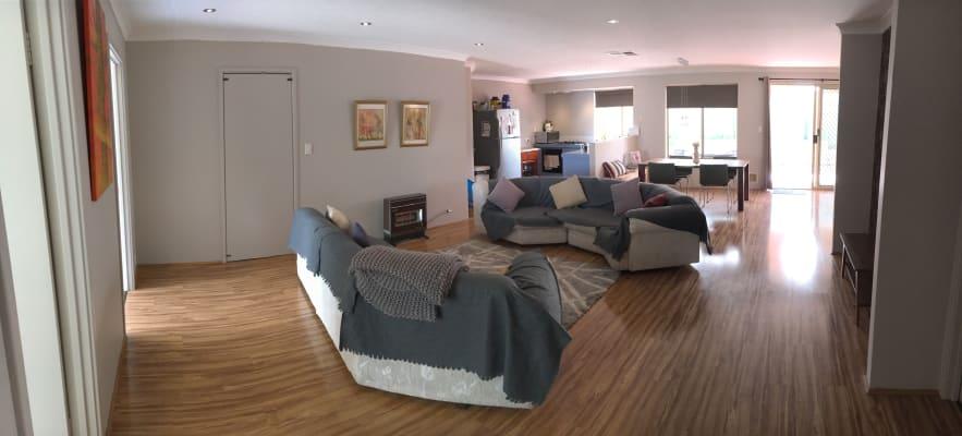 $180, Share-house, 3 bathrooms, Carrington Street, Hilton WA 6163