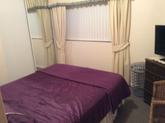 Rent Room From Mature Lady