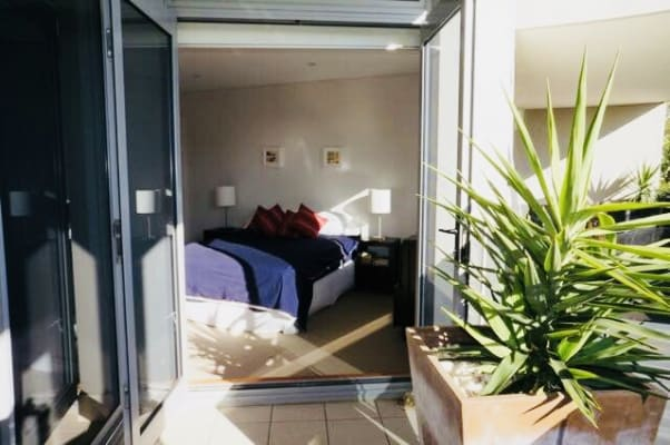 $550, Flatshare, 3 bathrooms, Crown Road, Queenscliff NSW 2096