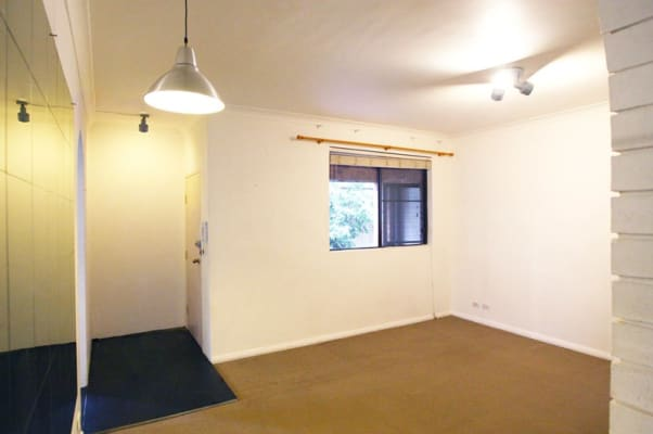 $275, Flatshare, 2 bathrooms, Harrow Road, Stanmore NSW 2048