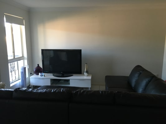$190, Flatshare, 2 bathrooms, Coolangatta Road, Coolangatta QLD 4225